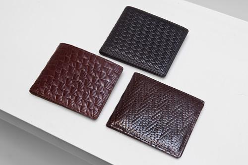 ポケットにしまいやすい折りたたみ財布各60,000ウォン
