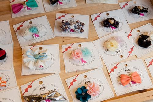色とりどりのヘアアクセ6,000~10,000ウォン
