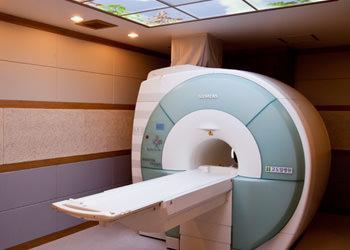 地下1階 MRI