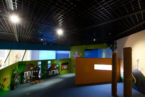 2014年10月取材時は韓国の童話「ホンギルトン」展を開催