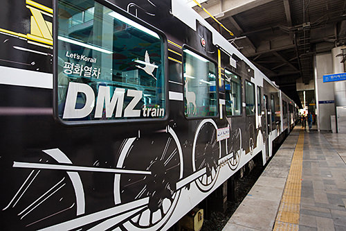 機関車のデザインが目を引きます