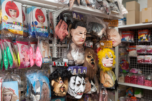 仮面マスクも多数 30,000ウォン