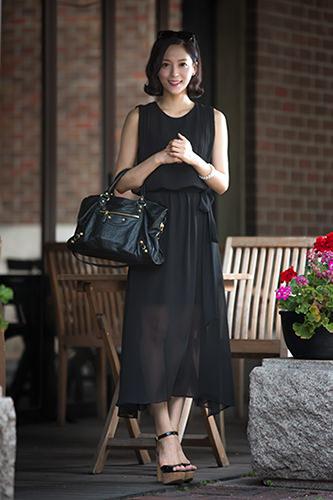舞台女優伝統芸術公演「美笑(MISO)※公演終了」の韓服(ハンボッ)姿からは一転、オールブラックのシックな装いが素敵。 ハヌルさん7/18 美笑(MISO)