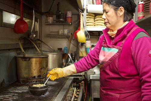 料理を手掛けるのは店長の奥さん