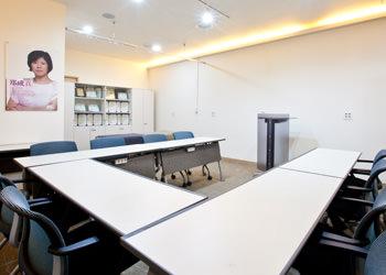 広々とした講義室