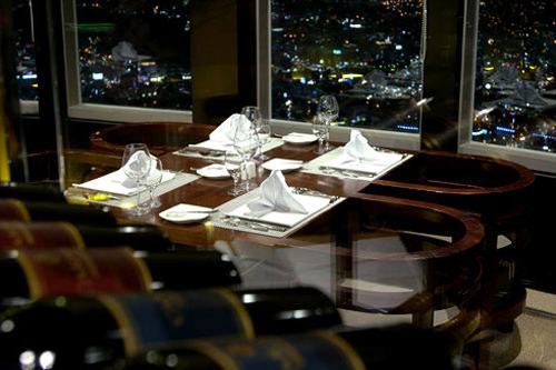 3、Nソウルタワー5階レストラン「n・GRILL」ドラマ「星から来たあなた」(地図番号11)