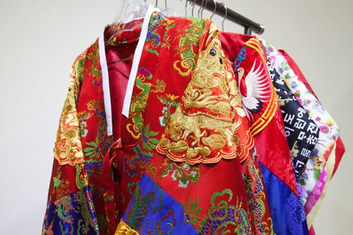 王妃とファンジニの衣装