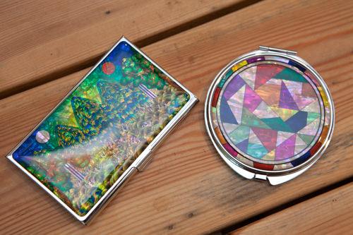 左:カードケース 11,000ウォン右:コンパクトミラー 11,000ウォン