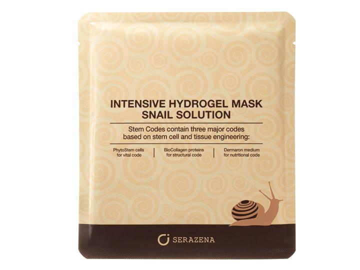インテンシブハイドロゲルマスク スネイルソリューション 1枚 8,000ウォン美容成分たっぷりのカタツムリろ過粘液や、デトックスに優れた金、天然保湿成分のスクワランなどが配合されており、傷ついた肌をケア。肌の上に保護膜を作り外部の刺激から守るだけでなく、明るく透き通った肌へと導きます。デリケートでハリを失いがちな目元を集中ケアするジェルタイプのパック・アイパッチ(2枚 6,000ウォン)もあります。