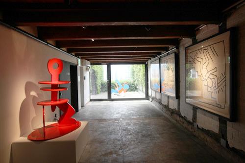 キース・ヘリングの作品が数点展示
