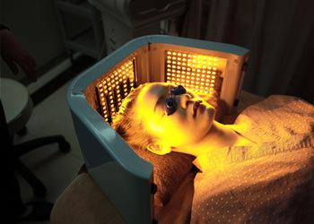鎮静治療頭皮の炎症とトラブルを取り除き、傷ついた頭皮細胞を回復させ頭皮の免疫力を高めます。
