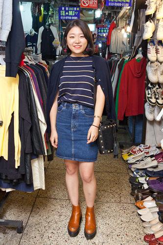 古着市場は今日が2回目。友達に教えてもらって来るようになりました!やっぱり韓国の洋服は安いですね。今日はトップスを30,000ウォンでお買い上げ♪