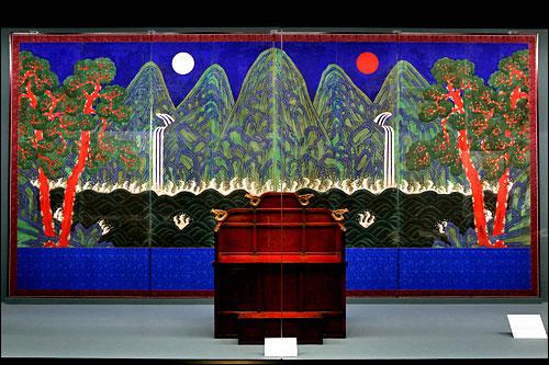 国立古宮博物館の日月五峰図
