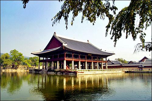 景福宮にある慶会楼の美しい姿