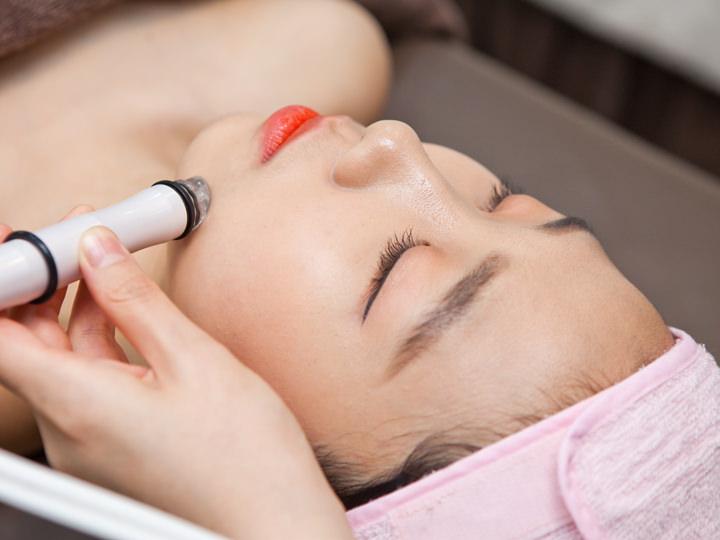 超音波の働きで肌に必要な水分・栄養をしっかり浸透