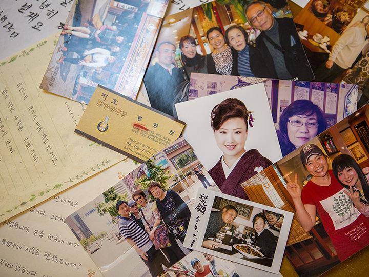 お客さんからの写真や手紙は大切に保管