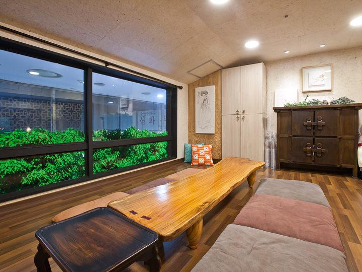 2階席は1階とは違う伝統的な雰囲気