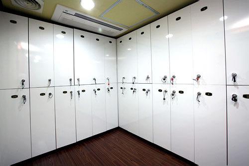 女性用ロッカー室(4階)
