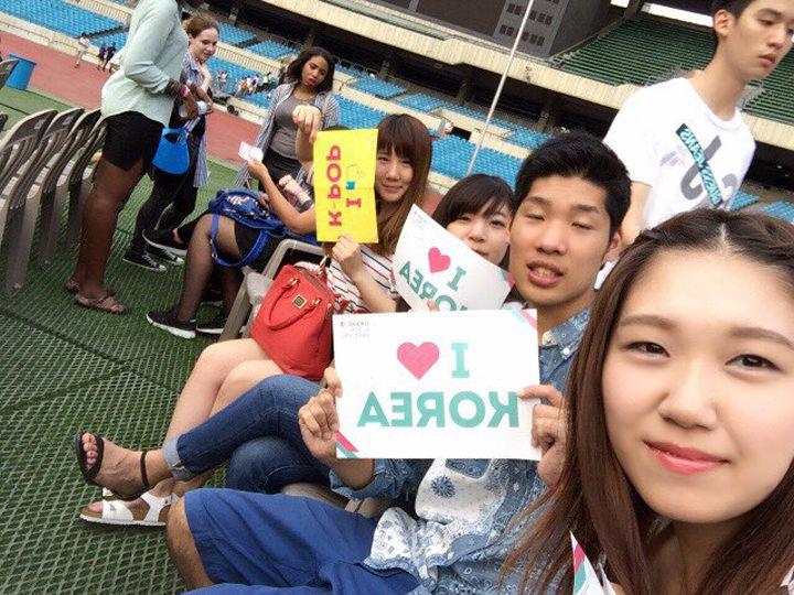 「グランドK-POPフェスティバル」に行って来ました!!(^o^)外国人は無料で観覧でき、少女時代やBEAST、SHINeeなど出演者がとっても豪華でした!!