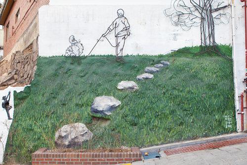 奥行きのある庭、実は壁絵です