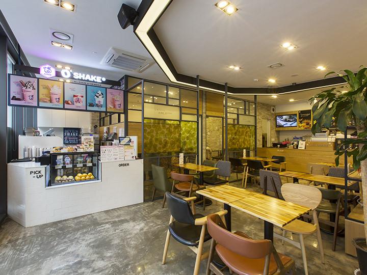 座席も韓方茶カフェ「五嘉茶」と共用