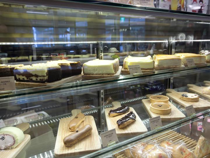 ケーキは食べ応えのあるどっしり系が多い