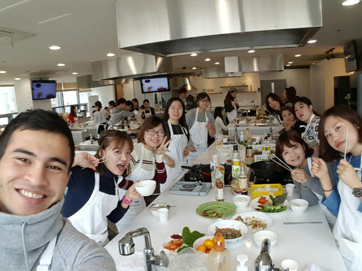 プルコギと海鮮チヂミを作って食べました。語学堂は文化授業が充実していて楽しいです!