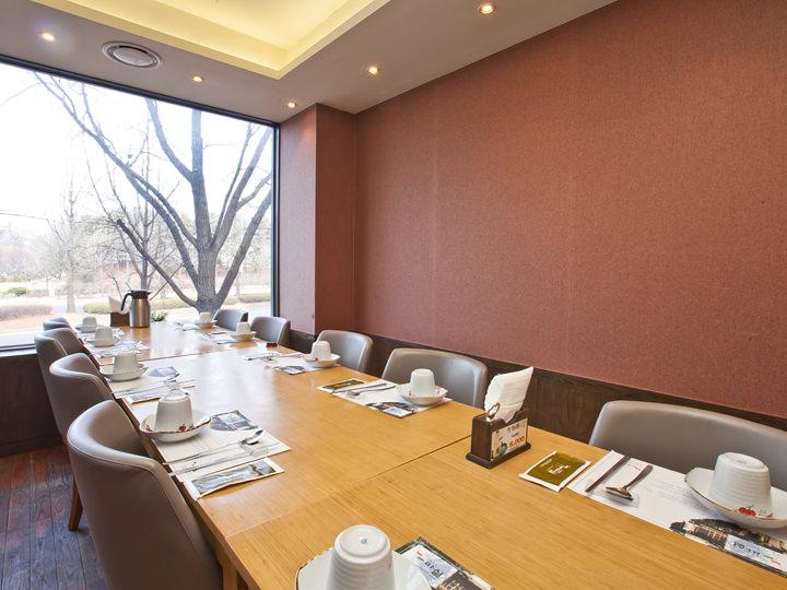 個室は人数に応じて部屋の大きさを変えることも可能