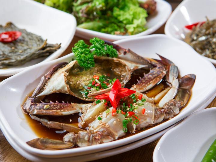 ワタリガニの醤油漬け定食 1人分 10,000ウォン