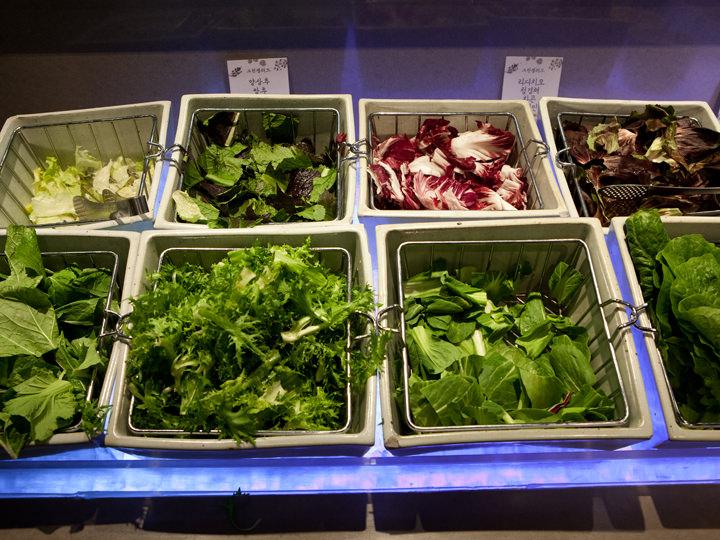 サラダ用葉野菜も新鮮豊富!