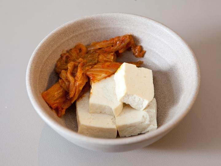手作り豆腐と蒸しキムチ