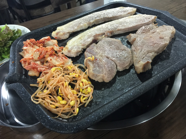 韓国と言ったらサムギョプサル!!週末はお肉の食べ放題に繰り出します。これからもまだ行ったことのないお店に行ってみたいです。
