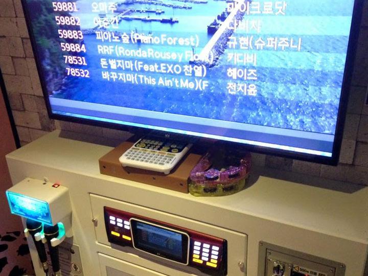コインカラオケは2曲で500ウォンなので気軽に楽しめます!新しくできたお店が多く、店員さんの干渉もないので日本より居心地が良いかも!?