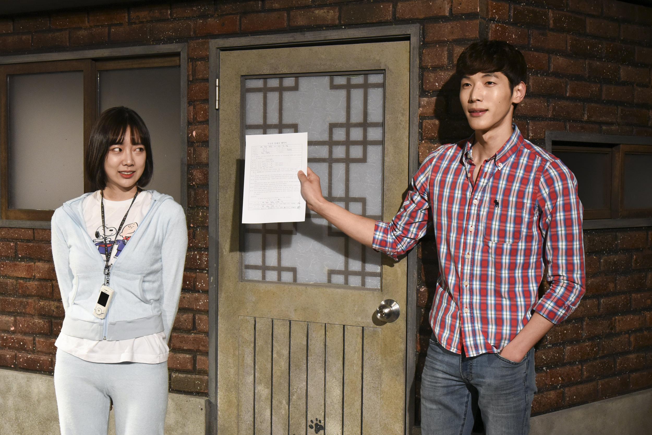 韓国ドラマらしい、突っ込みどころ満載のあり得ないストーリーがツボ(笑)※演劇「屋上部屋のネコ」からの提供写真です