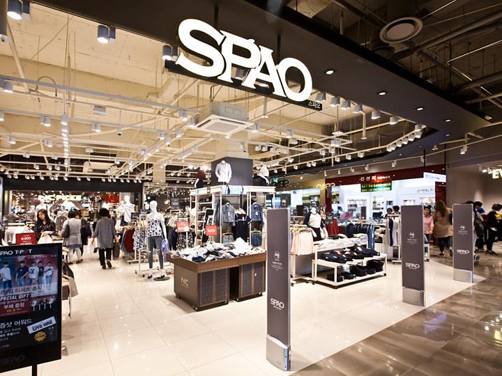 EXOが広告モデルを務めることでも人気の「SPAO」