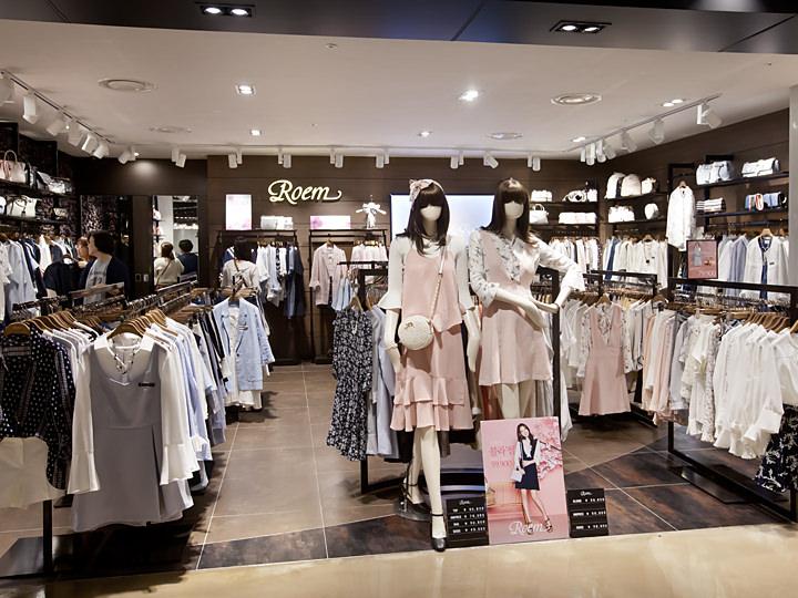 ガーリースタイルの人気韓国ブランド「Roem」