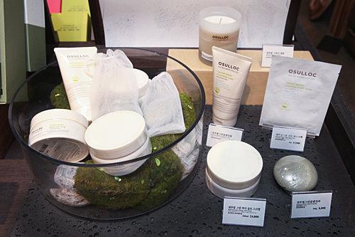 緑茶成分配合のコスメ各種