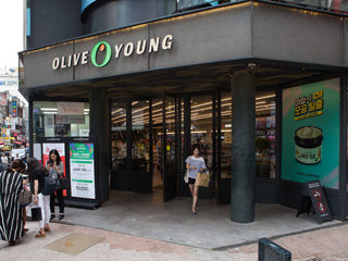 OLIVE YOUNG 明洞本店